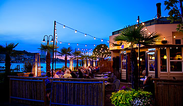 Dukes-Chowder-House-lake-union-Exterior-1
