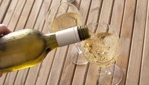 Dukes White Wine Pour Wood Table